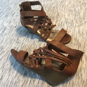 Steve Madden leather wedge size 8